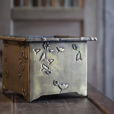 金銀花銅槽