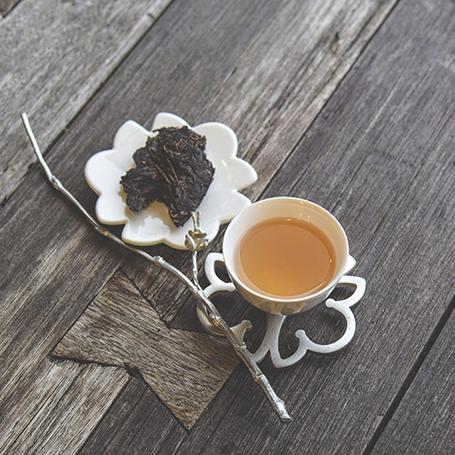 2004 Pu-erh Tea Cake (Tie-Bin)