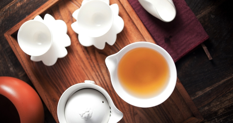 Experience the tea ceremony in the Hung's way.